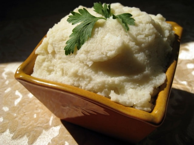 vegan mashed cauliflower