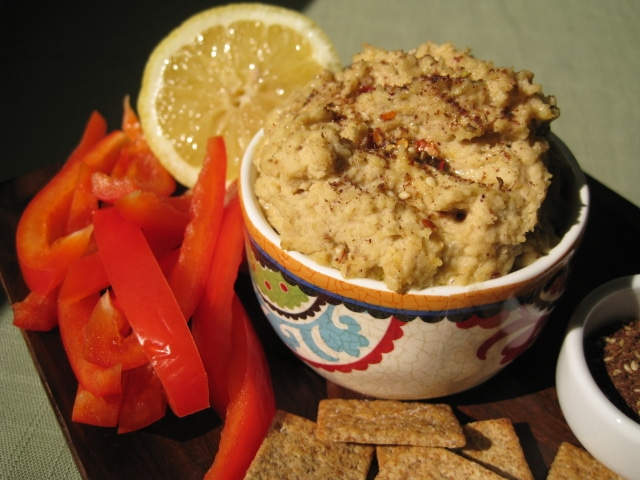 Low Fat Hummus Recipe from www.everydaymaven.com