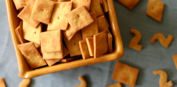 Vegan Cheeze Its from www.everydaymaven.com