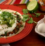 Healthy Huevos Rancheros from www.everydaymaven.com