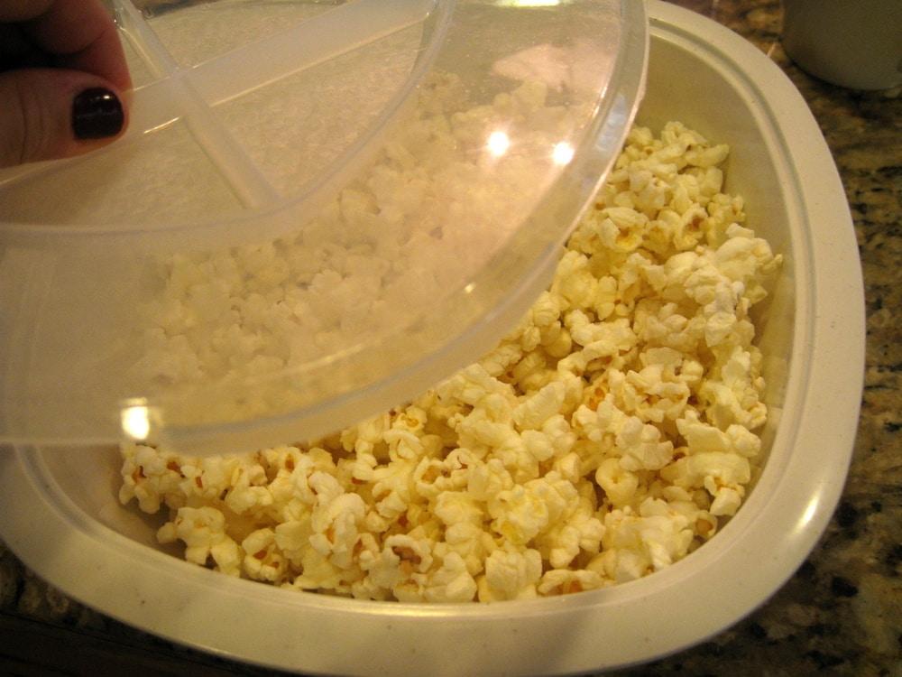 Nordic Ware 60120 Microwaver Popcorn Popper 12 Cup