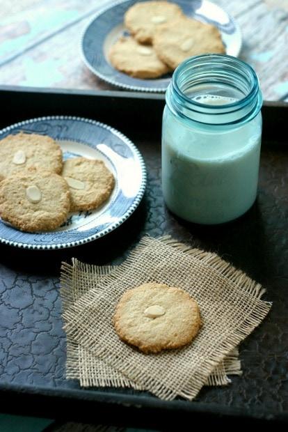 Vegan Almond Cookies Recipe from www.everydaymaven.com