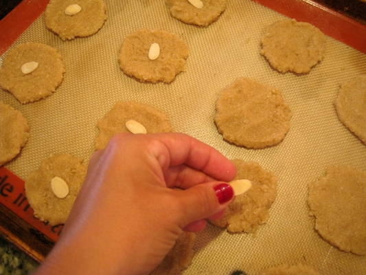 Vegan Almond Cookies from www.everydaymaven.com