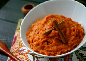 Maple Mashed Sweet Potatoes from www.everydaymaven.com