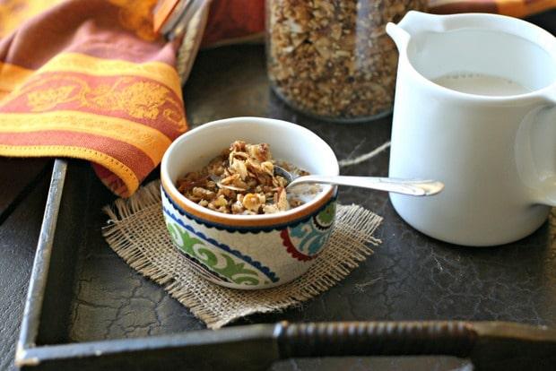 Paleo Granola Recipe from www.everydaymaven.com