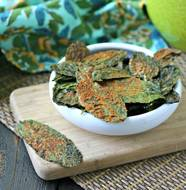 Spicy Nacho Kale Chips from www.everydaymaven.com