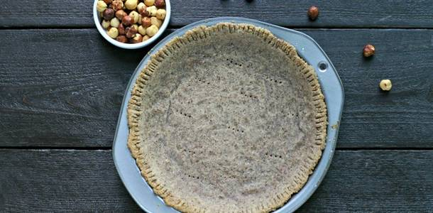Paleo Hazelnut Pie Crust from www.EverydayMaven.com