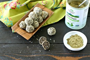 Moringa Lactation Bites from www.EverydayMaven.com
