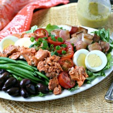 Low Carb Salmon Nicoise Salad