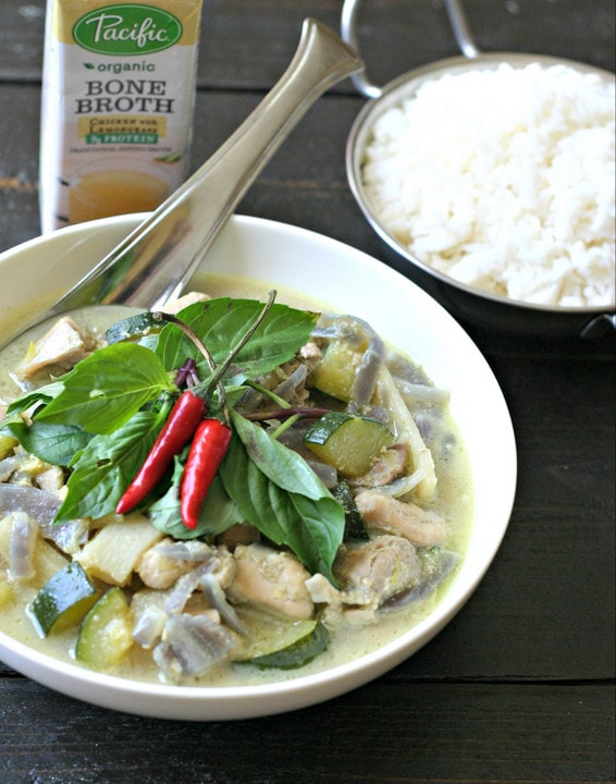 Quick Green Curry Chicken from www.EverydayMaven.com