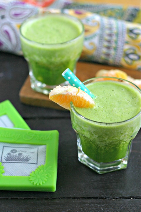Citrus Green Smoothie from www.EverydayMaven.com