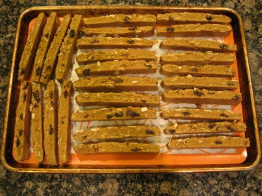 cookie sheet with sliced mandel bread