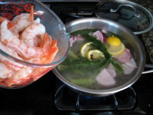 How to poach shrimp from www.everydaymaven.com