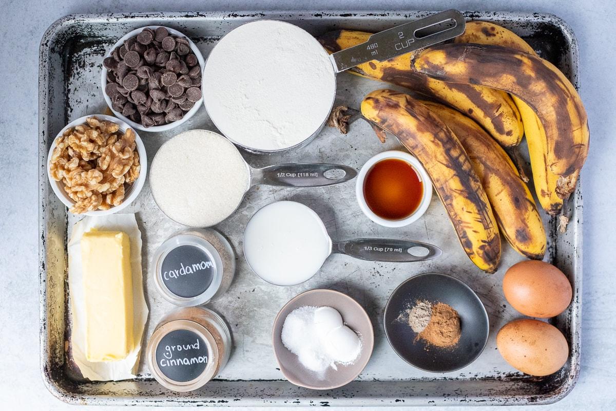 ingredients to make two bowl banana bread recipe